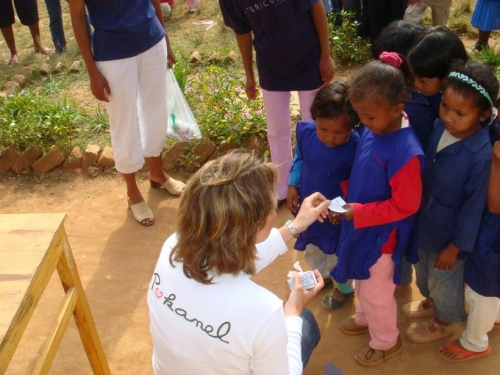 5 La distribution des bons de riz de Pokanel à Madagascar.jpg