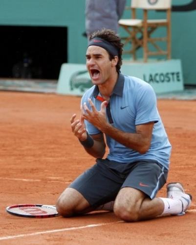 Federer-laisse-eclater-sa-joie.jpg