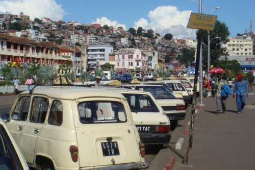 Taxis Tana.jpg